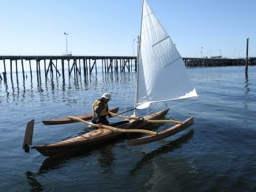 9/19/08 - A week or so ago a passerby took some photos of me launching the sail rig.